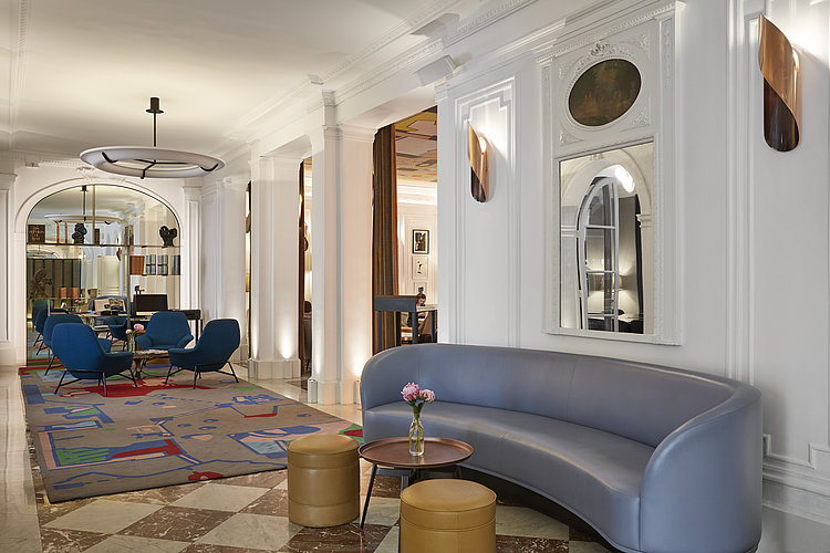 Lounge area at Hotel Vernet in Paris